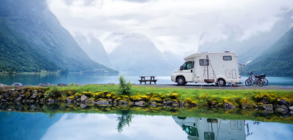 Beginner's Guide to Full-Time RV Living: 8 Ultimate Tips for Life on the Road