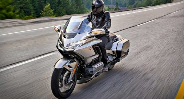 2018 Honda Gold Wing Tour DCT - Test Ride and Review